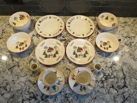 for sale 14 piece 2 person wedgwood windsor christmas
