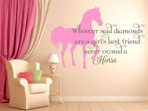 horse theme for girl s bedroom with printed horse bedding 1000 ideas about horse themed bedrooms on pinterest