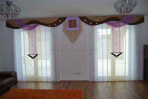 schiebegardinen wohnzimmer wohnzimmer schiebevorhang in lila beige mit braunen bogen
