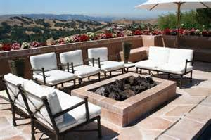 Looking For Outdoor Furniture Patio Furniture Here S Some Cool Looking White Pati