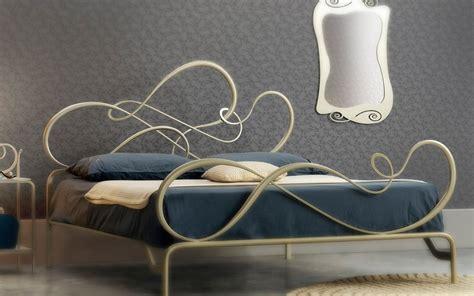 struttura letto ferro battuto letto matrimoniale in ferro battuto blues di cosatto linee