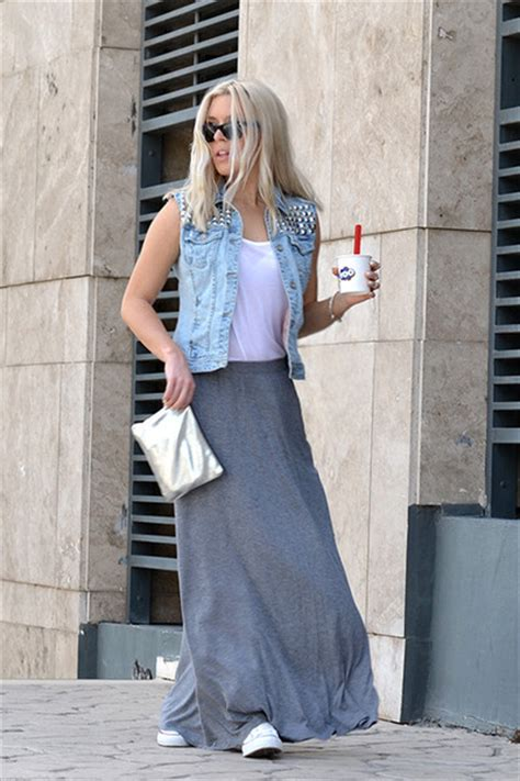 white sneakers converse skirts gray maxi h m