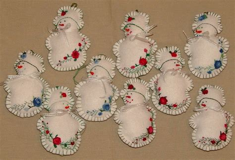 free christmas decorations to make gt how to make an embroidered felt ornament s creations