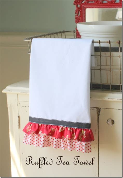 kitchen towel craft ideas 25 best ideas about kitchen towels on pinterest kitchen