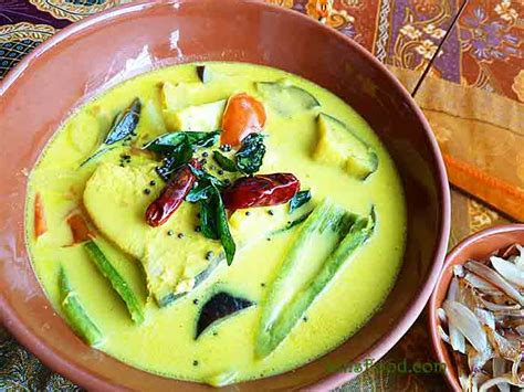 Christmas Decorating Home by Fish Sothi Sri Lankan Yellow Fish Curry