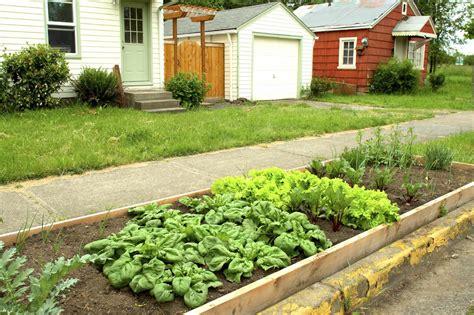 Nstrip Vegethablerovs hell garden plan tips for creating parking vegetable gardens