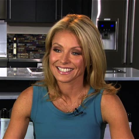 what device does kelly ripa use on her hair kelly ripa on facebook and iphone apps popsugar celebrity