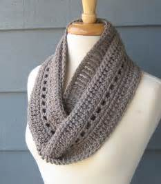 Infinity Crochet Scarf Pattern 25 Best Ideas About Crochet Infinity Scarves On