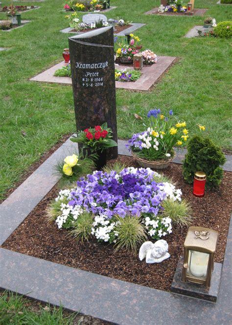 Was Kostet Ein Grabstein Mit Umrandung by Urnengr 228 Ber Grabmale Und Grabsteine In Krefeld