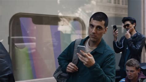 samsung commercial samsung returns to mock iphone x buyers in commercial the verge