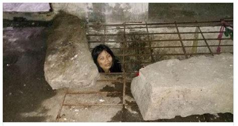 donna in gabbia la donna chiusa in gabbia il motivo e inquietante