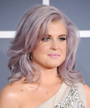 kelly osbourne hair color formula beauty trendsetters gather at beautycon beauty launchpad
