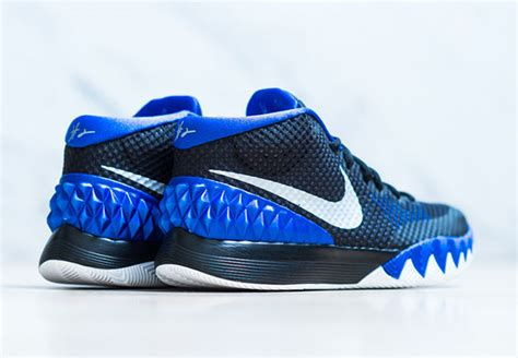 Sepatu Basket Adidas D 5 Nike Lebron Kyrie Ua cheer on duke with the nike kyrie 1 sneakernews