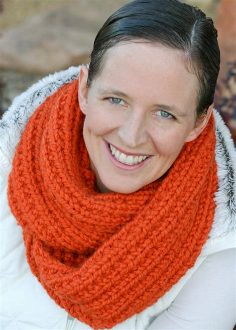 chunky knit cowl pattern a chunky moebius cowl an easy chunky knit free pattern