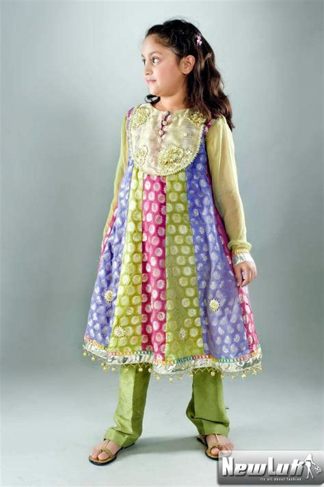 Kids Designs by Traditional Pakistani Dresses For Kids New Dress Designs
