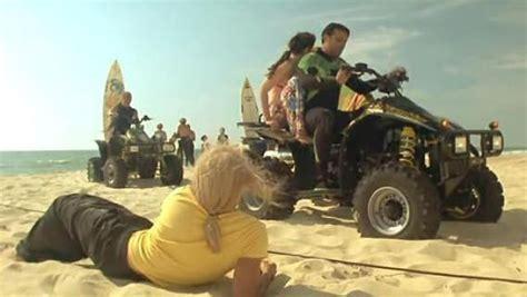 jean dujardin en quad la plage d hossegor dans brice de nice spotern