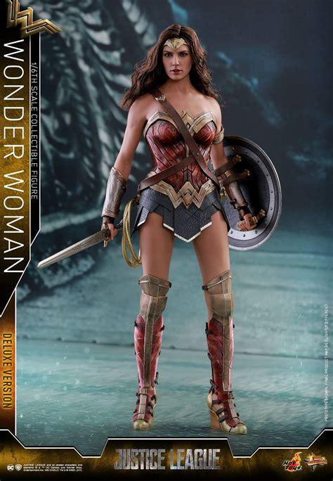 Figure Wonderwoman justice league 1 6 scale figures by toys