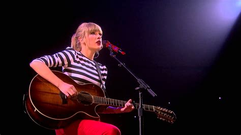 taylor swift country youtube quot sparks fly quot acoustic live on the red tour youtube