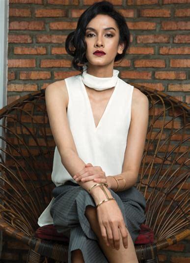 Kalung Style Zara padanan putih