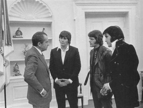 the mafia s president nixon and the mob books elvis with president richard nixon elvis 2