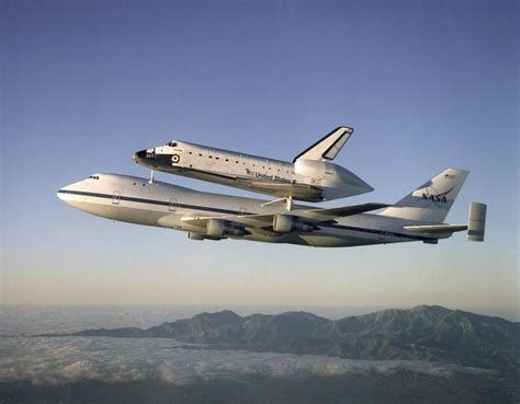 airplane carrier file atlantis on shuttle carrier aircraft jpg