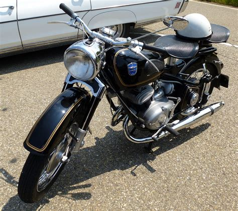 Oldtimer Motorrad 1950 by Adler Oldtimer Motorrad Aus Den 1950er Jahren Mit 2 Zyl 2