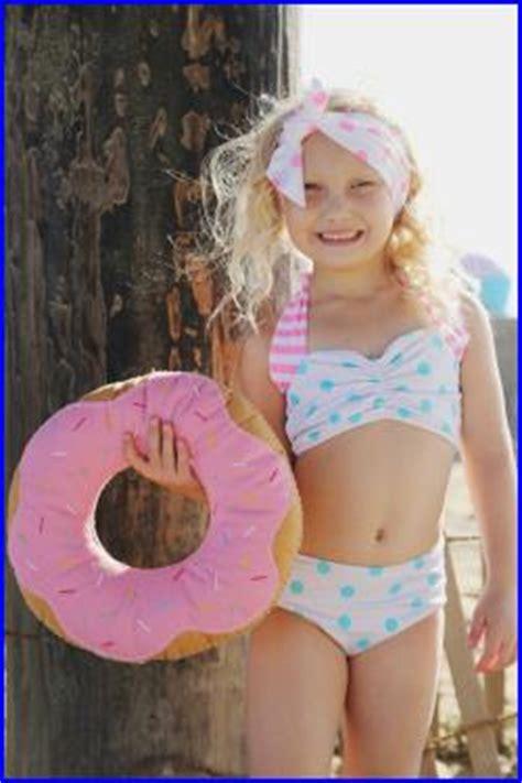 little models xyz little girls in two piece bikinis sorgusuna uygun