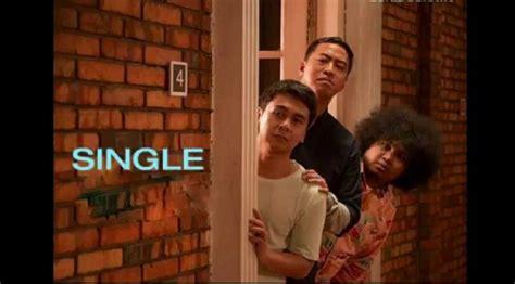 film single raditya dika rilis buang status single raditya dika perjuangkan cinta annisa