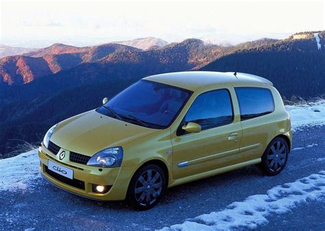 renault clio sport 2004 the renault clio rs 182 a cult car for the 2000s
