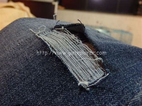 diy   distress jeans  leave  white threads