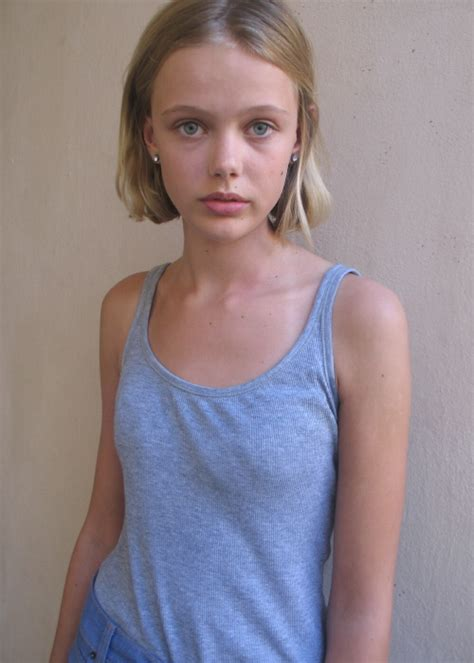 model tiny young girl junior frida gustavsson