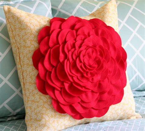 31 diy tutorial how to make version of the petal pillow