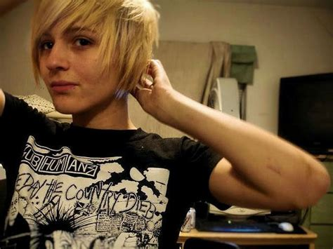 choppy pixie style to grow out how to style hair that grows forward growing out a pixie