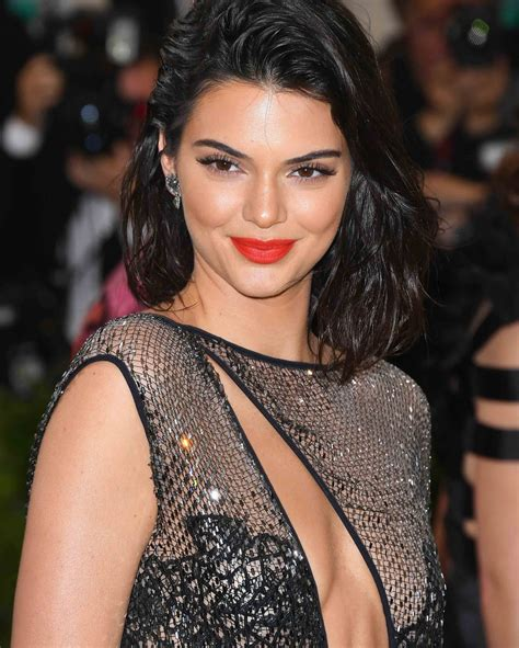 biography about kendall jenner kendall jenner biography age height weight wiki