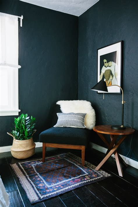 paint colors for living room walls with dark furniture why dark walls work in small spaces design sponge