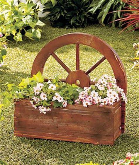 wagon wheel planter garden yard decor flowers plants