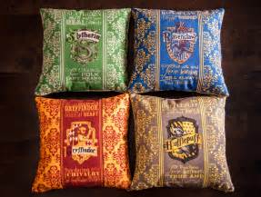 harry potter pillows slytherin ravenclaw by geekandthechic