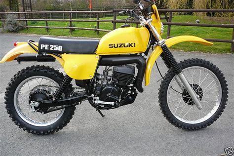 Pe 250 Suzuki Suzuki Pe 250 Photos And Comments Www Picautos
