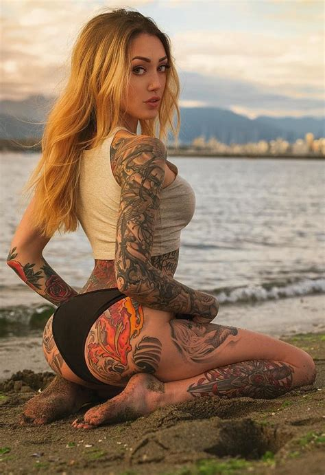hot tattooed chicks merry everyone w inked dolls