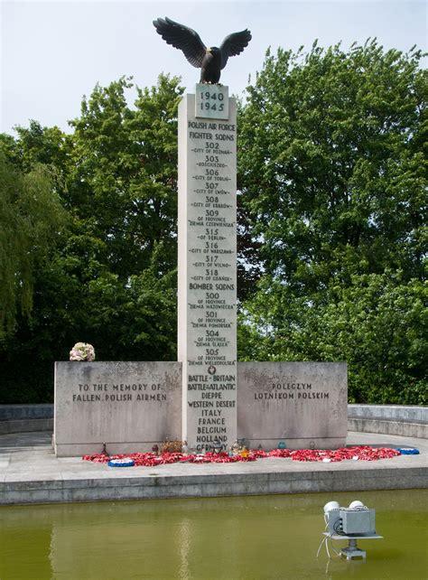 and nay the memorials of war memorial
