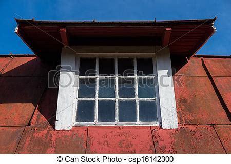 finestre a soffitto finestra vecchio soffitto abbaino soffitto vecchio