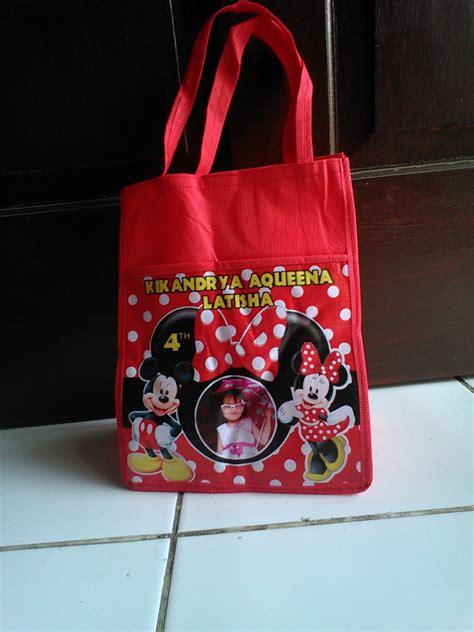 Tas Ultah Kantong 28 jual goodie bag tas ultah murah spunbond custom foto dan nama grosir plastik
