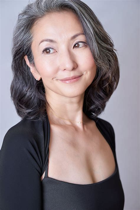 mayuko gray hair style 50 shades of silver pinterest afternoon of life grayhairstyle mayuko miyahara gray