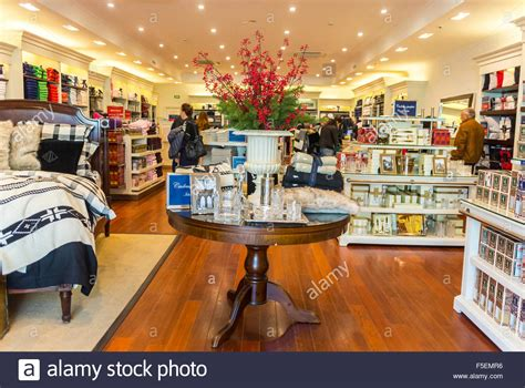 paris france shopping luxury stores  la vallee