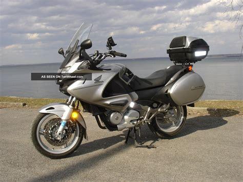 motorcycle touring 2010 honda nt700v sport touring motorcycle