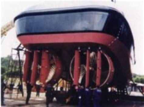 tugboat propeller maximising propulsion effeciency