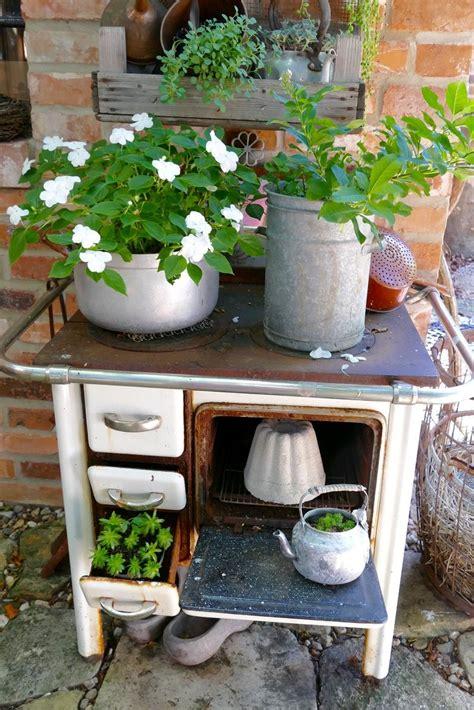 Deko Ofen Garten by Bepflanzte Objekte Vom Schrott Flea Market Garden