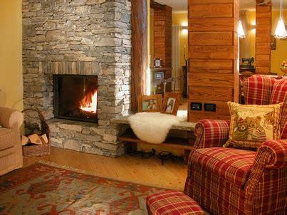 tavernette arredate taverna rustica mattoncini pietre naturali legno