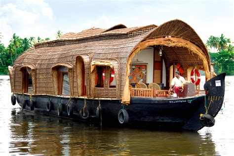 kerala tourism kumarakom boat house 10 best houseboats in kerala kerala houseboat tour packages