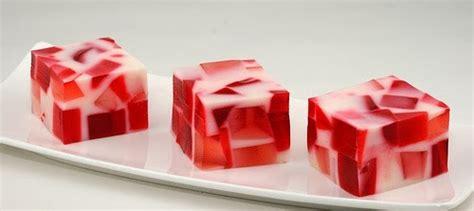 cara membuat puding warna putih resep puding mozaik sutra stroberi merah putih cara